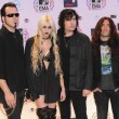 "Taylor con su banda de música ""The Pretty Reckless"""